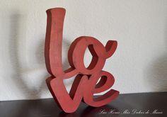 """Letrero decorativo palabra """"love"""". LOVE decorative letters"""