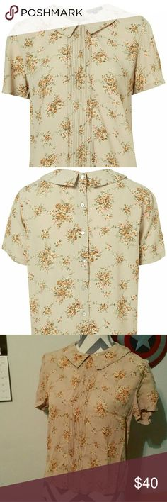Topshop Pintuck Floral Collar Blouse Beautiful fabric, gorgeous floral pattern, absolutely adorable top all around! As seen on Clara Oswald in Doctor Who Proms Mini Clip. #claraoswald #claraoswaldcosplay #doctorwho #doctorwhocosplay Topshop Tops
