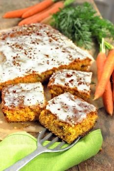 Mandlovo-mrkvová buchta Salmon Burgers, Carrots, Cooking, Healthy, Sweet, Ethnic Recipes, Fitness, Kitchen, Candy