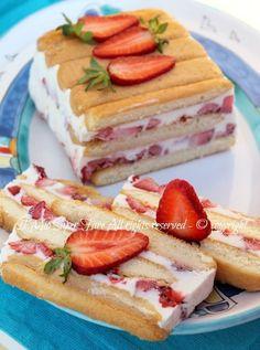 Torta semifreddo panna e fragole dolce senza cottura veloce e facile.Dolce al cucchiaio goloso,cremoso e fresco ✫♦๏༺✿༻☘‿TU Jul ‿❀🎄✫🍃🌹🍃🔷️❁`✿~⊱✿ღ~❥༺✿༻🌺♛༺ ♡⊰~♥⛩⚘☮️❋ Frozen Desserts, Just Desserts, Delicious Desserts, Sweet Recipes, Cake Recipes, Dessert Recipes, Kolaci I Torte, Torte Cake, Icebox Cake