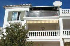Centraal in de Algarve de vakantie doorbrengen ? Wij hebben dit leuke appartement in Lagos in de verhuur. Deze accommodatie biedt ruimte tot maximaal vier personen.