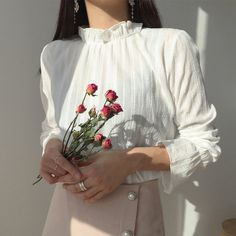 Image about girl in style ish by Dark Panque on We Heart It Korean Aesthetic, White Aesthetic, Aesthetic Girl, Aesthetic Clothes, Aesthetic Outfit, Ulzzang Fashion, Ulzzang Girl, Asian Fashion, Pretty Outfits