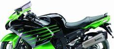 Kawasaki ZZR 1400 Probamos una de las súper/sport turismo más rápida del momento, con un motor de 1.441 cc y una potencia de 200 CV.