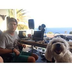 Avicii Avicii, I Love You Forever, Love You So Much, Music For You, Good Music, Hey Brother, Tim Bergling, Best Dj, I Miss U