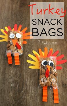 Adorable Turkey Craft for Thanksgiving that Doubles as a Snack! How cute is this! We made them as Thanksgiving gifts for grandparents, aunts and uncles and they were a huge hit!