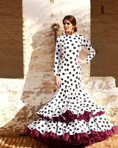 Spanish style – Mediterranean Home Decor Flamenco Costume, Dance Costumes, Flamenco Dresses, Party Fashion, Fashion Photo, Trendy Outfits, Fashion Outfits, Womens Fashion, New Dress