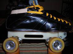 Retro Riedell speed skates, these look like moms old skates Roller Disco, Roller Derby, Roller Skating, Speed Roller Skates, Inline Speed Skates, Bmx, Old School, Skateboard, Nostalgia