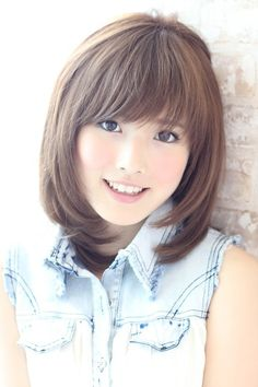 Soft perm and color to suit popular gloss persists AFLOAT SKY / Sky afloat after photobleaching Short Choppy Haircuts, Long Layered Haircuts, Girl Haircuts, Kawaii Hairstyles, Hairstyles With Bangs, Short Hair With Layers, Short Hair Cuts, Shoulder Length Hair With Bangs, Japanese Haircut