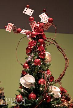Alice in Wonderland Christmas tree - love the cards & teacups!