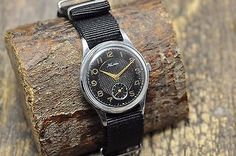 Vintage Watches Collection : Rare Old Vintage KAMA Military Soviet Russian USSR Men's Watch - Watches Topia - Watches: Best Lists, Trends & the Latest Styles Mechanical Hand, Vintage Watches, Omega Watch, Latest Fashion, Watches For Men, Military, Latest Styles, Wristwatches, Accessories