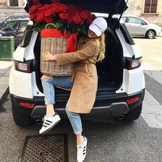 Let your luxury love story happen at the millionaire dating site Spring Summer Fashion, Winter Fashion, Swag Couples, Luxury Gifts For Her, Luxe Life, Cute Girl Pic, Fashion Outfits, Womens Fashion, Fasion