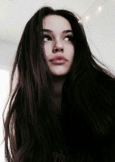 lips – My hair and beauty Looks Dark, Maggie Lindemann, Lipstick Art, Fake Girls, Selfie Poses, Cute Poses, Cute Girl Pic, Girls Selfies, Brunette Girl