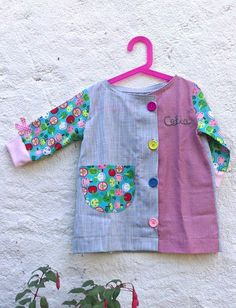 patrón bata escolar, bata escolar Sewing For Kids, Diy For Kids, Girl Dress Patterns, Cute Girls, Kids Outfits, Kids Fashion, Baby Boy, Girls Dresses, How To Wear