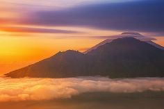 """Deviliciously Raw Travel Life on Instagram: """"Definitely one of my favourite spot taking pictures from the top of Gunung Batur🌋 If you visit Bali make sure to not miss as only 2-3 hours…"""" Taking Pictures, Live Life, Bali, My Favorite Things, Top, Photography, Travel, Instagram, Photograph"""