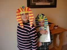 egyptian headdress makes a fun egypt craft!