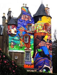 love the artwork, love the house, not sure if i'd put them together though.