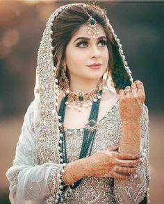 Pakistani Bridal Makeup, Bridal Mehndi Dresses, Walima Dress, Pakistani Wedding Outfits, Bridal Dress Design, Bridal Outfits, Indian Bridal, Pakistani Jewelry, Pakistani Dresses
