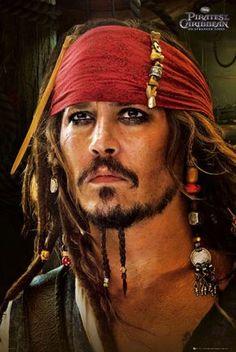 Póster Los Piratas del Caribe 4, En Mareas Misteriosas. Jack Sparrow cara Johnny Depp regresa a su ya legendario papel del Capitán Jack Sparrow en un cuento repleto de acción sobre la verdad, la traición, la juventud y la desaparición.