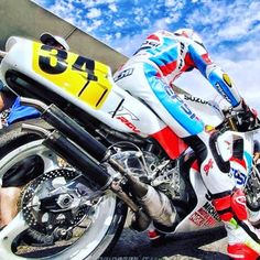 Kevin Schwantz Pepsi Suzuki RGV 500 tweetakt race motor Motorcycle Suit, Motorcycle Racers, Suzuki Motorcycle, Moto Bike, Racing Motorcycles, Motorcycle Design, Classic Motorcycle, Custom Motorcycles, Kevin Schwantz