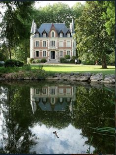 """""""Le Manoir"""" in Loire Valley - I& prepared to maneuver in. Create a Cozy Cottage Impressed Inside A cottage styled house is all about cozy opti. French Cottage, French Country House, Country Style, Country Living, Country Decor, Cozy Cottage, Boho Style, Stommel Haus, Beautiful Homes"""