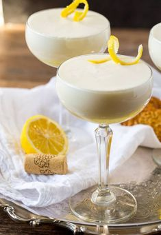 Lemon Syllabub: A fresh, creamy easy white wine cocktail perfect for tea, brunch, or a girls' night. Can be made with your favorite white w. Easter Cocktails, Cocktail Desserts, Best Cocktail Recipes, Fun Cocktails, Classic Cocktails, Lemon Cocktails, White Cocktails, Sauvignon Blanc, Pina Colada