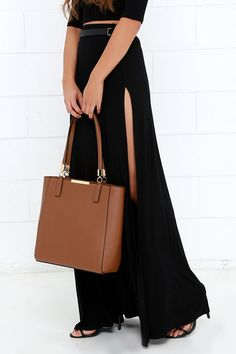 Morning Stroll Brown Tote at Lulus.com!