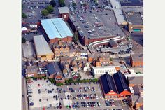 HEART OF TOWN . the central area of Burton showing the Coopers Square and Octagon shopping centres. Burton On Trent, Derbyshire, Shopping Center, Times Square, Photo Galleries, Gallery, Heart, Places, Pictures