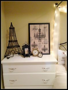 Clocks set for my time zone & another for Paris time zone Paris Theme Decor, Paris Room Decor, Paris Rooms, Paris Theme Bathroom, Paris Themed Rooms, Paris Themed Bedroom Decor, Plywood Furniture, Design Furniture, Refurbishing Furniture