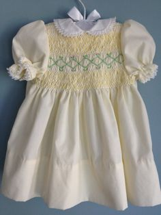 Vintage Baby Girl Smocked Pale Yellow Dress with Lace Collar (3m - 6m)