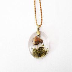 #Kette #necklace #jewelery #hippie #macrame #makramee #handmade #diy #nature #Natur #forest #Wald #traumfänger #dreamcatcher #wallhanging #wandbehang #doily #häkeln #crochet #crocheting #spirituality #boho #bohemian #treeoflife #wonderlocks #crystals