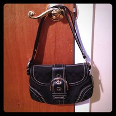 🔸Authentic🔸 Coach purse Black leather w/ monogram. Gently used Coach Bags