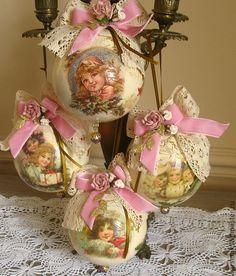 decoupage christmas ornaments   http://cs1.livemaster.ru/foto/large/52716488609-podarki-k-prazdnikam ...