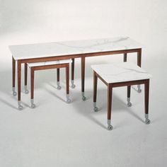 http://www.ganj.fr/4594-thickbox/table-neoz-2-driade-philippe-starck.jpg