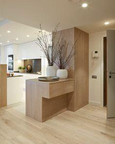 Eingangsbereich offen zum modernen Wohnbereich