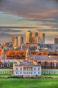 England Travel Inspiration - From the Greenwich Observatory - Canary Wharf forms the backdrop for the Old Royal Naval College, Greenwich, London, UK Greenwich Park, England Uk, London England, London Landmarks, London City, London Pubs, East London, Viajes, United Kingdom