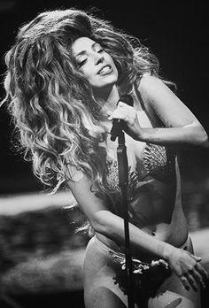 Lady Gaga Photo: Gaga performing at the 2013 iTunes Festival in London Lady Gaga Images, Lady Gaga Pictures, Lady Gaga Artpop, The Fame Monster, Goddess Of Love, Her Music, American Singers, Role Models, Style