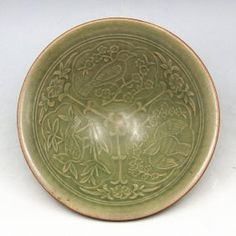 A Nice Chinese Longquan Kiln Carving Bowl Song Dynasty, Size is around H6.6cm, D19cm.