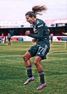 Tobin Heath #77, scores her first goal for United against West Ham United.