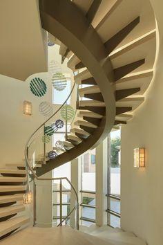 Contemporary Hillside Luxury Estate: Bel Air