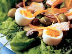 Ruokaisa kananmunasalaatti Sushi, Panna Cotta, Salads, Vegetarian, Fruit, Cooking, Ethnic Recipes, Soups, Food