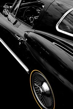 '67 Corvette Stingray.... that's real pretty!!!