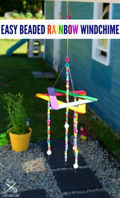 This easy wind chime kids craft will make a cute addition to your garden! Easy B… This easy wind chime kids craft will make a cute addition to your garden! Easy Beaded Rainbow Wind Chime Kids Craft Summer isn't just for frozen treats and Diy Crafts For Kids Easy, Summer Crafts For Kids, Craft Stick Crafts, Toddler Crafts, Crafts To Do, Preschool Crafts, Garden Crafts For Kids, Summer Diy, Kids Diy