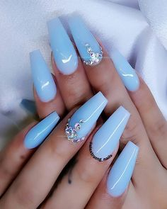 Cute baby blue coffin nails with diamonds - Nails Blue Gel Nails, Light Blue Nails, Blue Coffin Nails, Blue Acrylic Nails Glitter, Baby Blue Nails With Glitter, Acrylic Spring Nails, Crazy Acrylic Nails, Pastel Blue Nails, Periwinkle Nails
