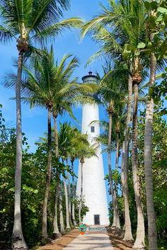 Key Biscayne Beach, Key Biscayne Florida, Florida City, Florida Travel, South Florida, Us Destinations, Amazing Destinations, Cape Florida Lighthouse, Florida Adventures