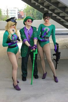 The Riddler, along with his henchgirls, Echo and Query #cosplay