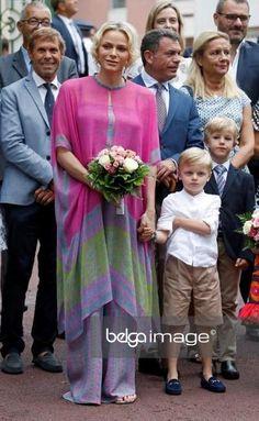 Pulsar en la imagen para verla a tamaño completo. Prince Albert, Albert Monaco, Princesa Charlene, Princesa Carolina, Monaco Royal Family, Marie, Picnic, Royalty, Pulsar