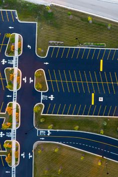 To help preserve or improve the flow of traffic on a parking lot, Rose Paving's parking lot stripers will either re-stripe or lay out new markings per customer's blueprints or our design. Click to request a free estimate today. Landscape Steps, Landscape Concept, Contemporary Landscape, Landscape Architecture, Landscape Design, Architecture Design, Parking Plan, Car Parking, Parking Lot Painting