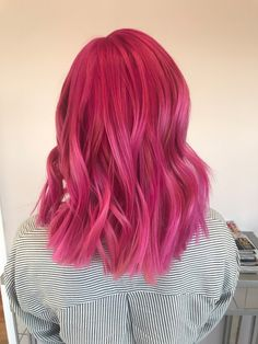Pink Wigs Lace Frontal baby pink hair dye short pastel pink hair grey pink hair color pink in hair Dark Pink Hair, Light Pink Hair, Pink Ombre Hair, Pastel Pink Hair, Hair Color Pink, Hair Dye Colors, Cool Hair Color, Hot Pink Hair, Dye My Hair