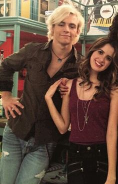 Love Austin and ally together Celebrity Travel, Celebrity Couples, Celebrity News, Ross Lynch, Riker Lynch, Rachel Berry, Laura Marano, Austin And Ally, Disney Shows