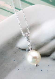 kylee Simple Pearl Drop Necklace Swarovski